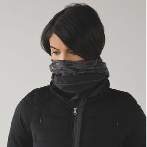 Lululemon Run Fast Neck Warmer Softshell Brand New